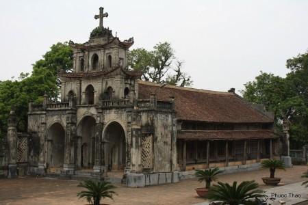 nhà thờ đá phát diện du lịch ninh bình